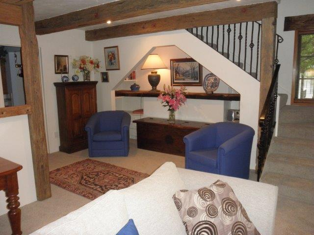 Cherry Tree House - Stairway to bedroom