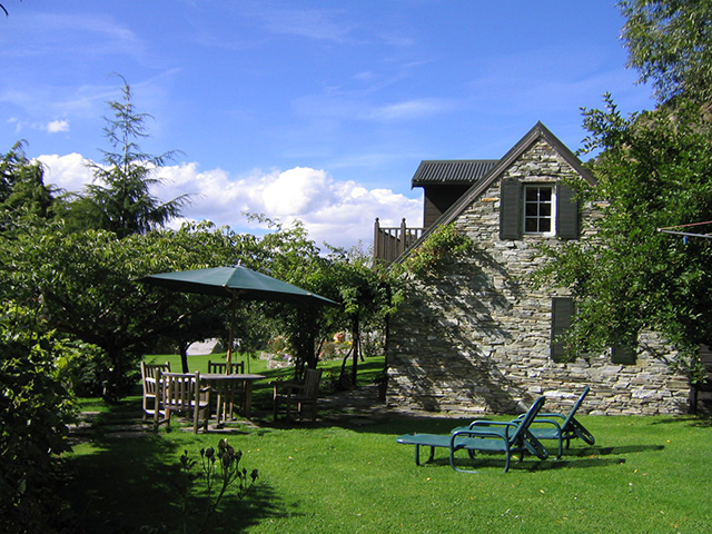 Stone Cottage self-contained accommodation near Queenstown